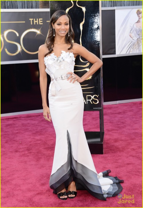 zoe-saldana-oscars-2013-red-carpet-09